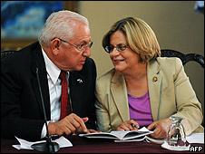Ileana Ros-Letihnen junto a Roberto Micheletti
