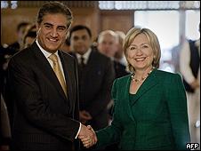 Hillary Clinton a su llegada a Islamabad