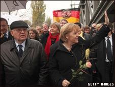 Mijail Gorbachov y Angela Merkel