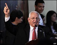 Presidente interino de Honduras, Roberto Micheletti