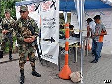 Punto de información electoral en Tegucigalpa