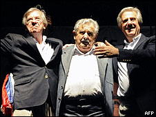 Danilo Astori, Presidente electo José Mujica y Presidente saliente Tabaré Vásquez.