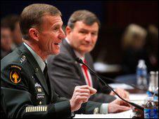 Tướng McChrystal trong phiên điều trần