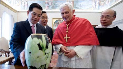Chủ tịch Triết và Đức Giáo hoàng tại Vatican hôm 11/12/2009