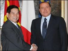 Hai ông Triết và Berlusconi