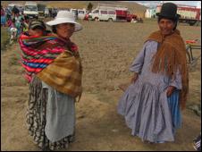 Uso de sombreros en el altiplano boliviano