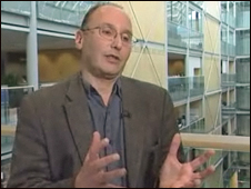 Giáo sư Michael Stratton