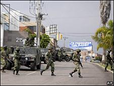 Delpliegue militar en la operación contra Arturo Beltrán Leyva.