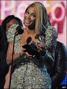 Beyoncé recibe premio Grammy