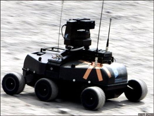 Exhibición de un robot en una base militar en Alemania