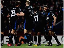 مانشستر يفرط في فرصة اعتلاء قمة الدوري الإنجليزي بعد خسارة