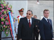Raúl Castro y Dmitri Medvédev en un encuentro previo (Foto: Raquel Pérez)