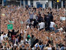 میرحسین موسوی در میان معترضان به نتایج انتخابات