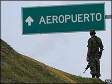 Soldado en Cancún