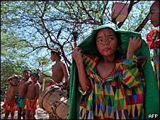 Una niña indígena de la tribu Wayuu en La Guajira colombiana