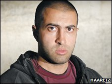 مصعب الابن الأكبر لحسن يوسف أحدِ الأعضاء المؤسسين لحركة حماس