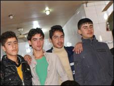 العراقي والانترنت: التعارف والتواصل 100226132100_cafeint