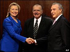 No Congresso, Hillary diz que Brasil pode ajudar a mudar o Irã