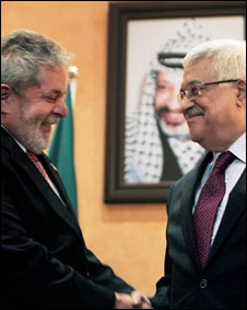 Lula (esquerda) e Mahmoud Abbas