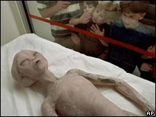 Modelo de alienígena en el Museo Internacional y Centro de Investigación de OVNIS en Nuevo México
