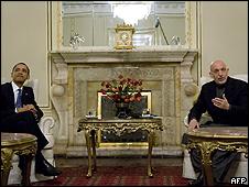 Obama e o presidente afegão, Hamid Karzai