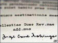 Carta firmada por el cardenal Ratzinger.