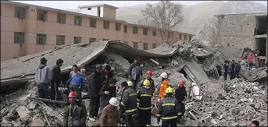 玉树大量房屋倒塌