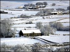 Poblado bajo la nieve