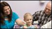 Morgan LaRue e os pais (Foto: Texas Children's Hospital/Paul Kuntz)