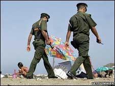 صور للدرك الوطني 100424221429_algeria_security_gettyc