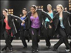 Bintang Glee membawakan lagu laris penyanyi pop Madonna