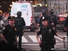 Polícia bloqueia acesso à Times Square, em Nova York