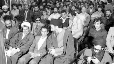 تصویری از جلسه حزب جمهوری اسلامی در اوایل انقلاب اسلامی