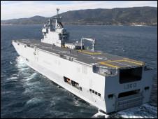 Tàu đổ bộ tấn công kiểu Mistral của Pháp