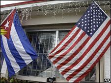 Banderas Cuba y de EE.UU