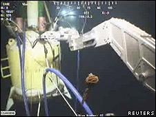 Maniobra para colocar la válvula de contención