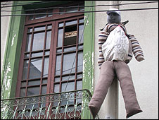 Muñeco colgado en Bolvia