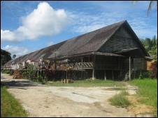 rumah adat Iban