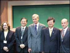 卜睿哲在台北政治大學的國際關係學會上發表演說(12/06/2010)