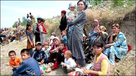 Беженцы на узбекско-киргизской границе