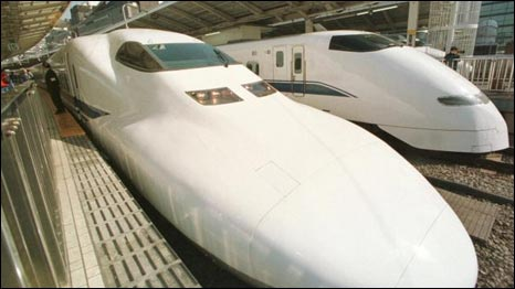 Nhật Bản dùng tàu shinkasen để chở hành khách