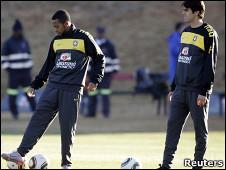 كاكا(يمين) وربينيو خلال التدريب