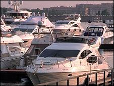 Яхты на ярмарке миллионеров в Москве