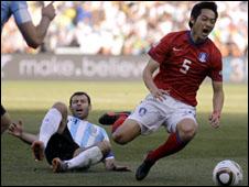 لاعب منتخب كوريا الجنوبية كيم نام ايل ينضم للشباب السعودي