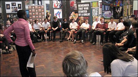 Juliet talks to school children in London about her experiences. [picture: War Child UK]