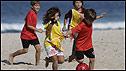 Niños jugando playa de Ipanema