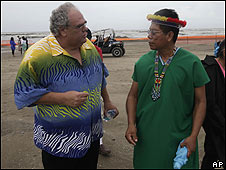 Humberto Piaguaje, tribu Secoya, e