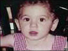 Amber Nicklas quando tinha pouco mais de um ano (foto fornecida pela polícia de Los Angeles)