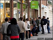 Desempleados en el Reino Unido (foto archivo)