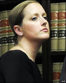 Nikki Araguz